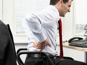 نشستن طولانی مدت باعث دیسک کمر